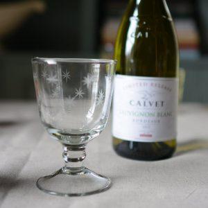 Etched star wine glass white wine