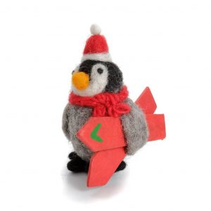 Amica_Accessories_baby-penguin-with-skis_cutout