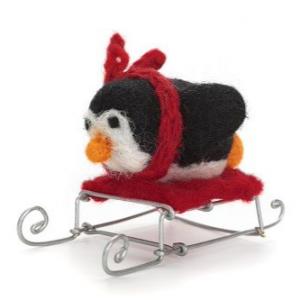 Amica_Accessories_black-penguin-on-sledge