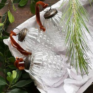 Casa_Verde_Glass_Fir_Cone_Decoration
