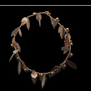 Tula Wreath Leaf and Berry Design